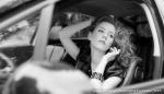 warsztaty fotograficzne, portret modelki w samochodzie