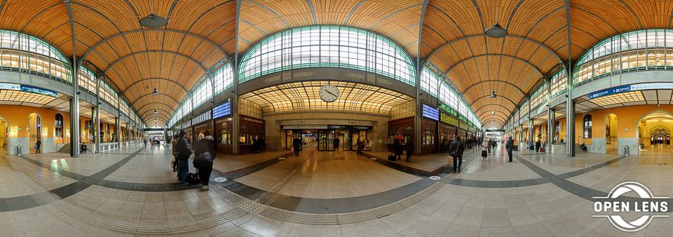 Zdjęcie sferyczne - dworzec kolejowy weWrocławiu